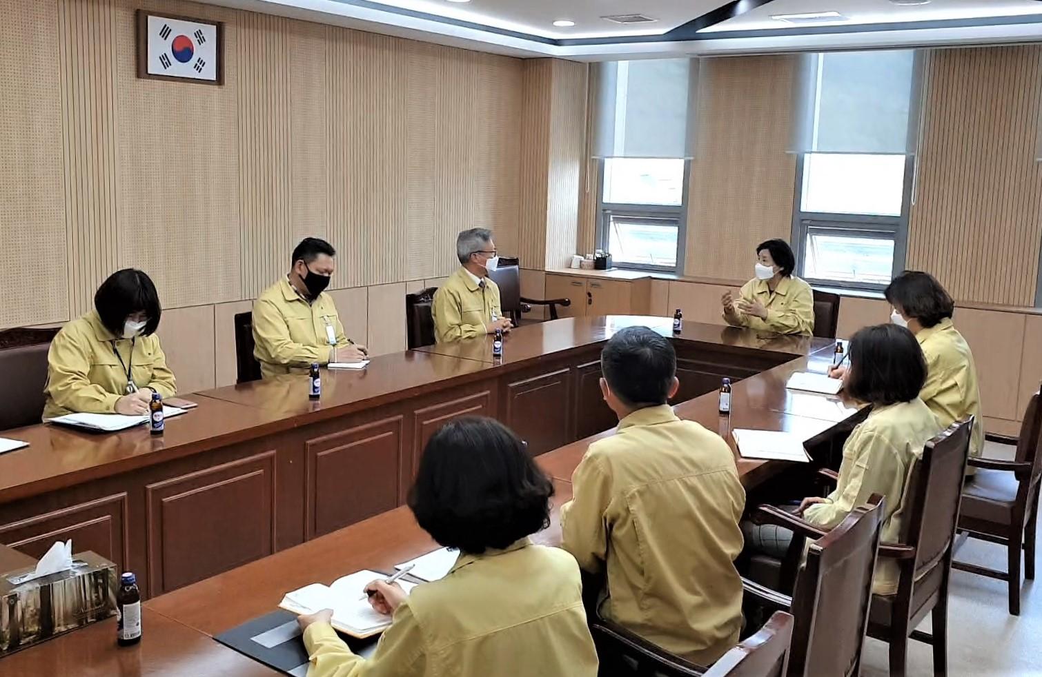 코로나19 예방을 위한 상호협력체계 구축 관계관 회의
